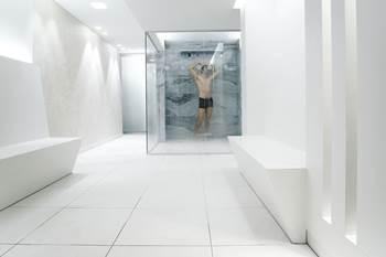 Dusche-Wellnessbereich