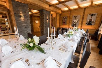 Hochzeit-in-der-König-Ludwig-Lounge-Tafel