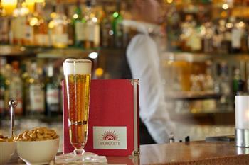 Bier an der Hotelbar