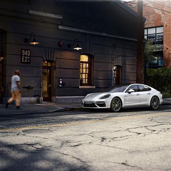 Porsche_Panamera_Turbo_S_E-Hybrid