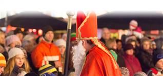 Weihnachtsmarkt-Schloss-Kronburg