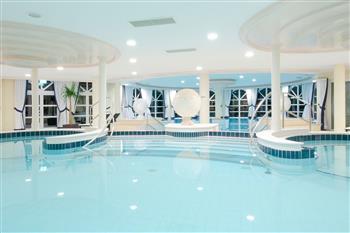 Poollandschaft im 5 Sterne Superior Hotel