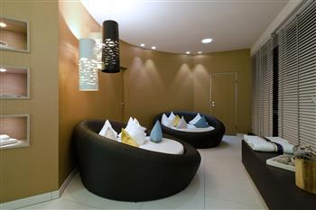 Lying surfaces at the spa area